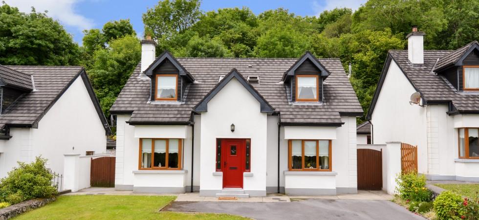38 Cnocán Rua, Moycullen, Co. Galway.
