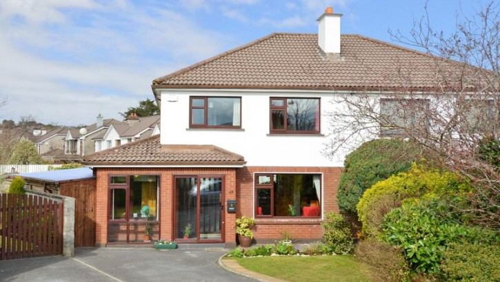 43 Monalee Heights, Ballymoneen road, Knocknacarra, Galway.