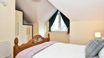 6 bedroom 1 view 2