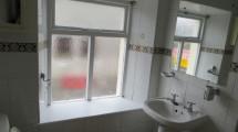 36BowlingGreenBathroom